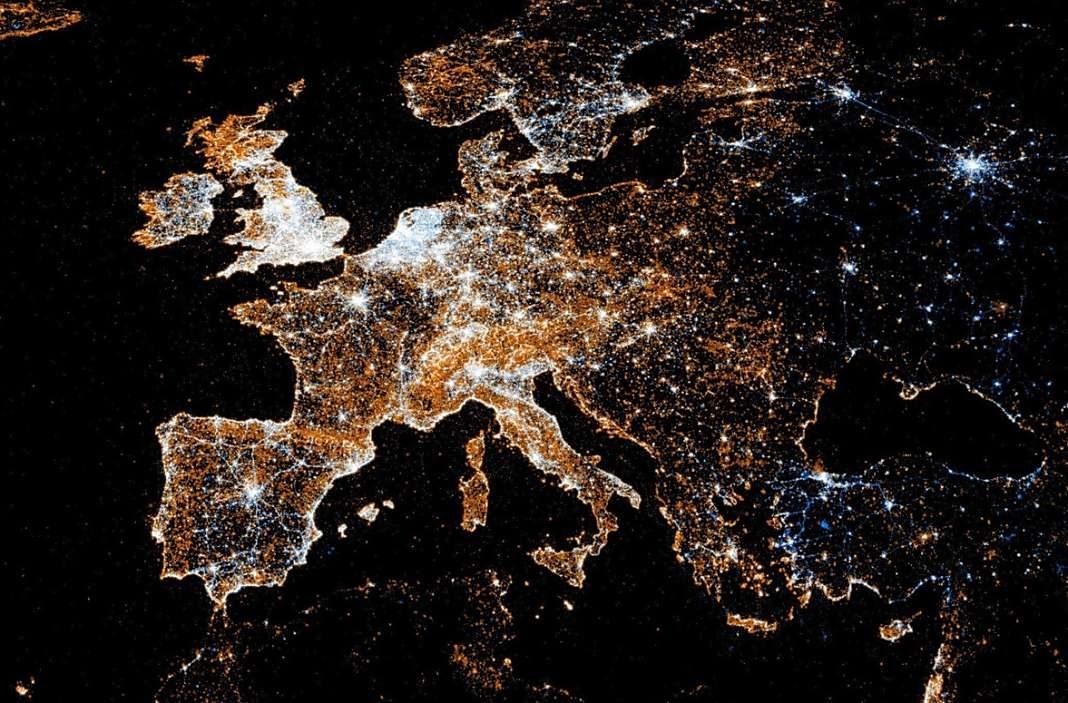 europa satelite+1