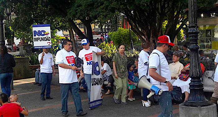 Campaña por el no liderada y promovida por el Centro Democrático, con el expresidente Uribe a la cabeza. Foto: Facebook Centro Democrático