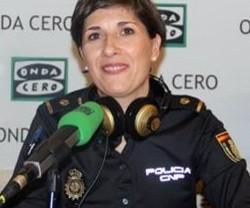La Inspectora Arén, especializada contra el acoso a menores, explica los riesgos de los móviles