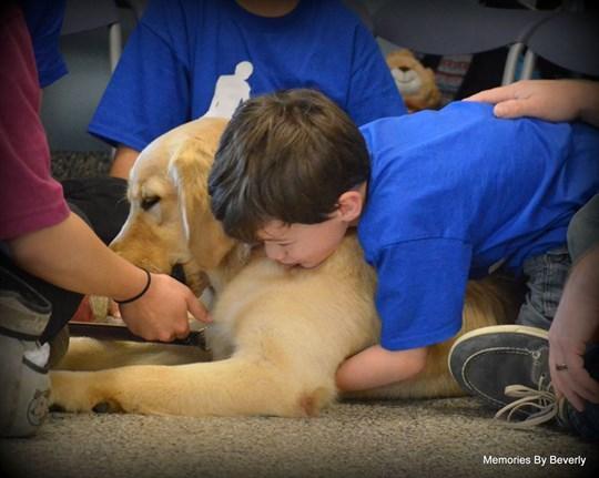 emocion-madre-autismo-perro3