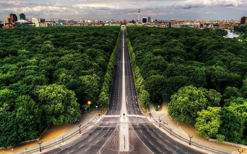 larga-carretera-ciudad-arboles-images-360880
