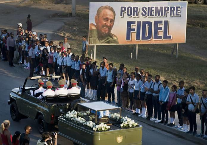 Un año de cárcel por no ver el funeral de Fidel Castro en televisión -  Periódico El Sol COLOMBIA