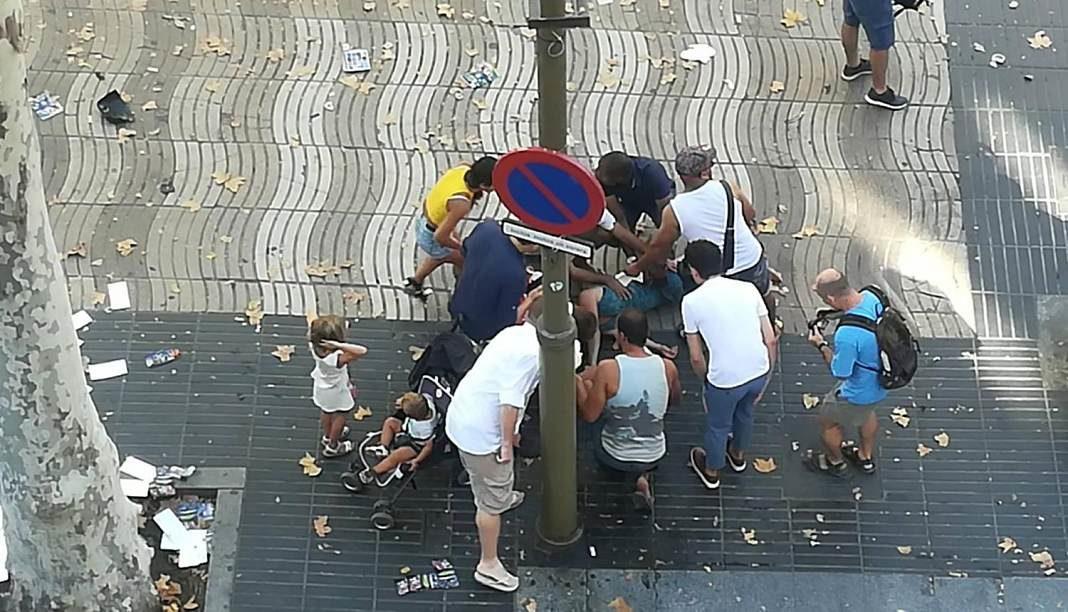 barcelona camioneta atropella personas+1