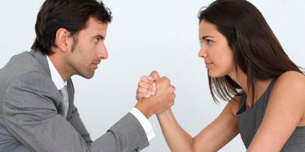 hombres y mujeres trabajo