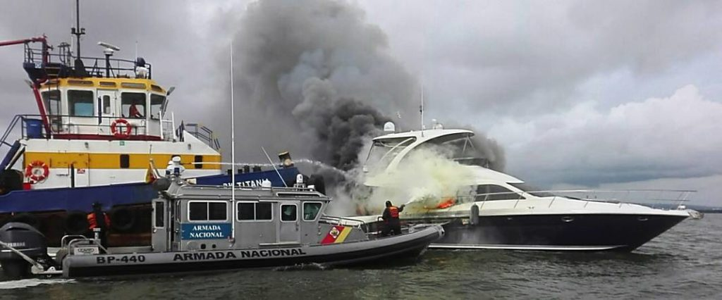 incendio yate cartagena 7