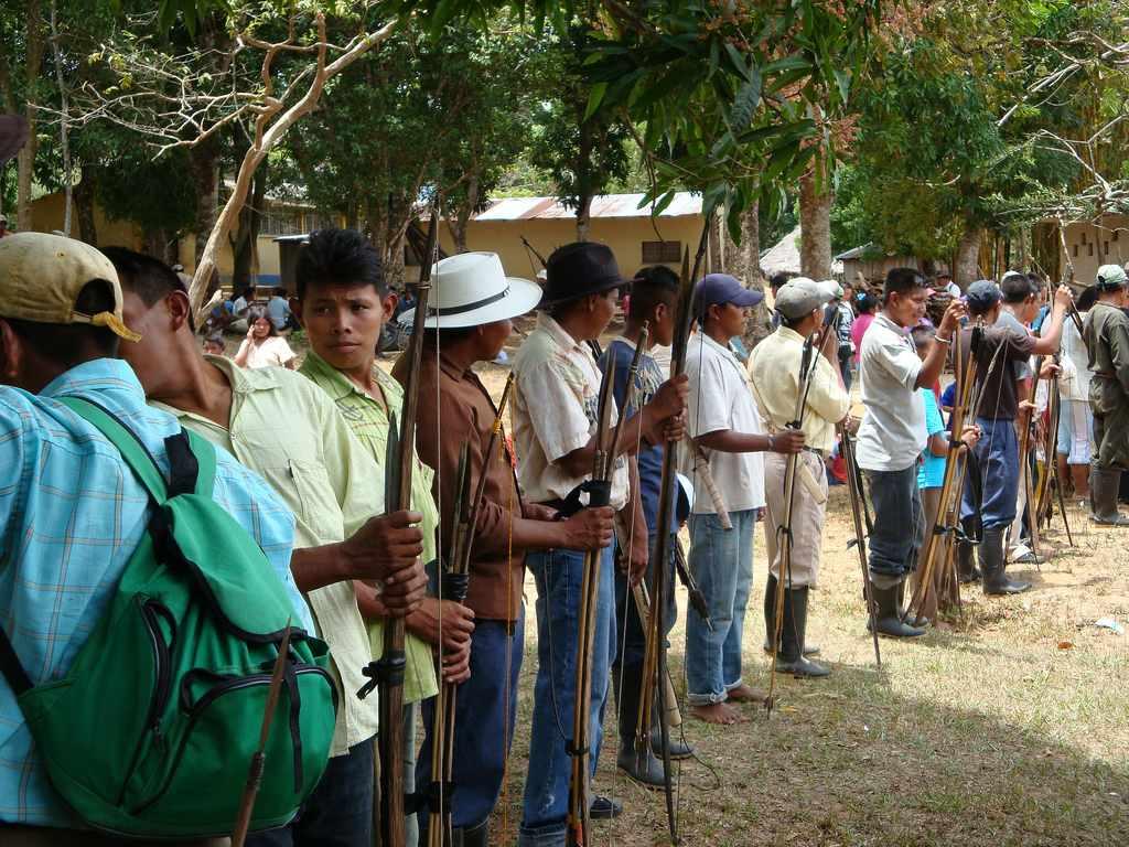 indigenas colombia