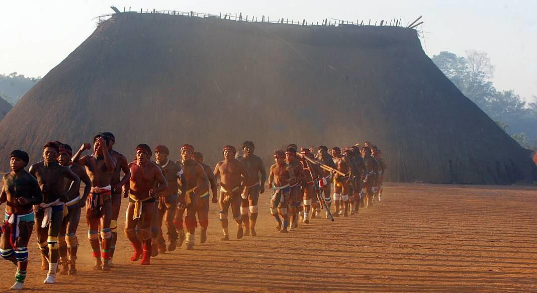 mineros asesinan indigenas+1