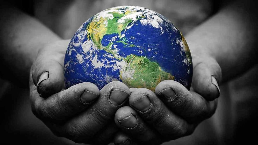 planeta-tierra-en-manos+1