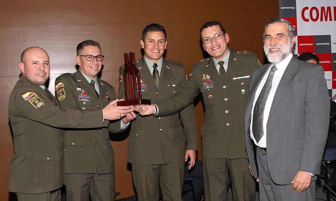 Policia Nacional_Premio CW+1