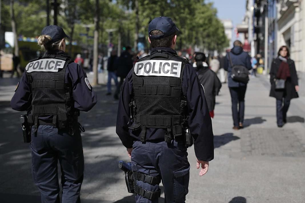 policia francesa+1