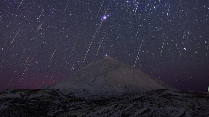 Las gemínidas son una lluvia de meteoros de actividad alta. Su cuerpo progenitor es el asteroide Faetón,  que podría ser un asteroide remanente de Palas.Las gemínidas son una lluvia de meteoros de actividad alta. Su cuerpo progenitor es el asteroide Faetón,  que podría ser un asteroide remanente de Palas