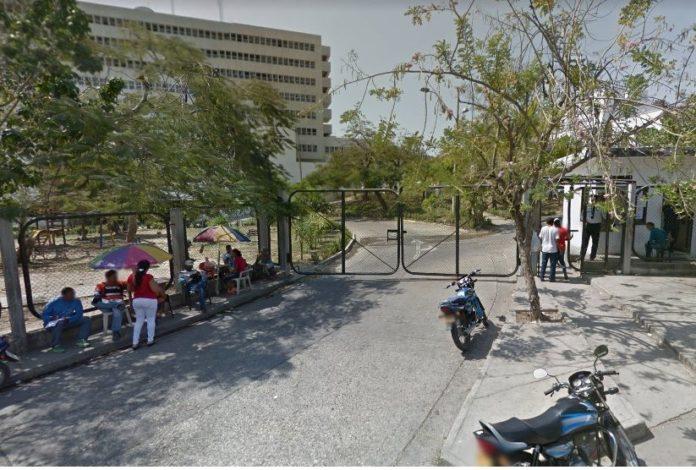 Acceso al Instituto Nacional de Medicina Legal y Ciencias Forenses Seccional Bolívar.