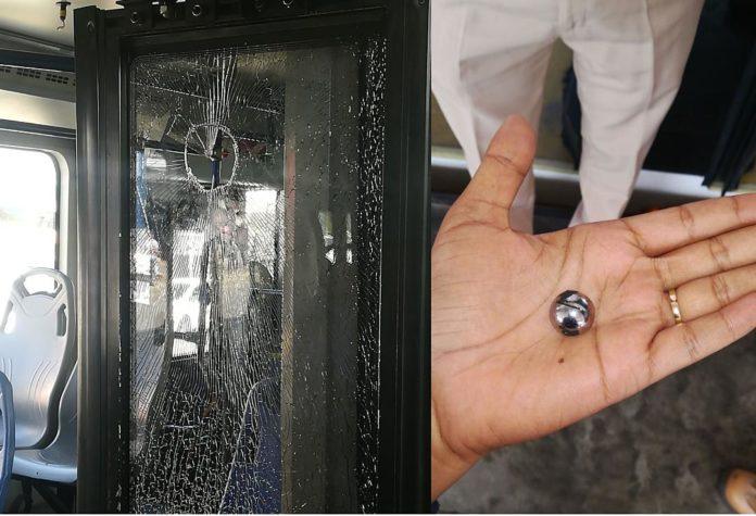 Bus Transcaribe atacado por habitante de calle. Foto cortesía Luz García Flórez.