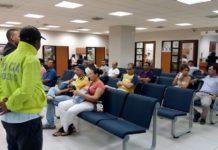 Policía entregando recomendaciones a usuarios del sistema financiero. Foto cortesía Policía Nacional.