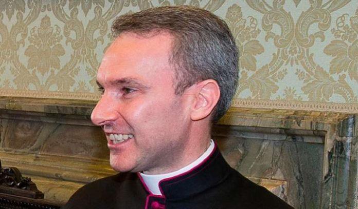 monseñor Carlo Alberto Capella