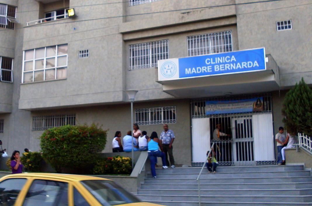 Clínica Madre Bernarda+2