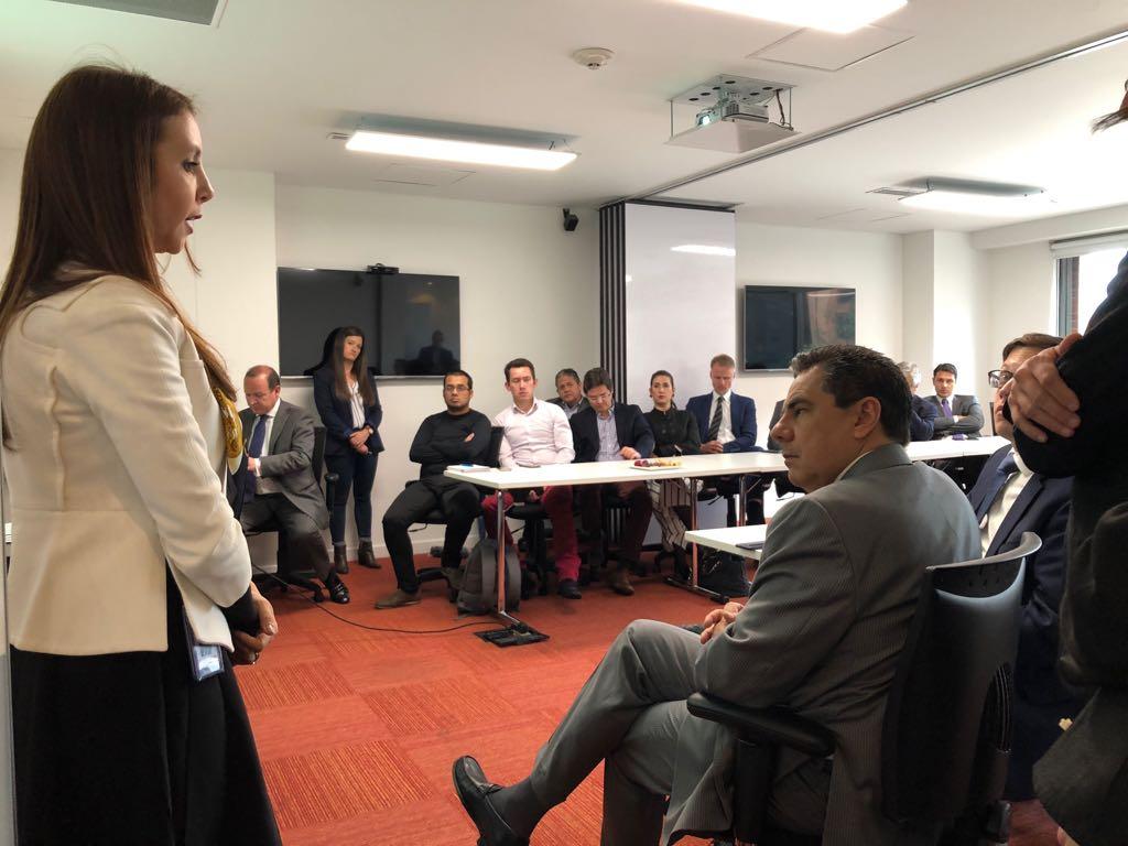 Claudia Luque y los invitados al evento