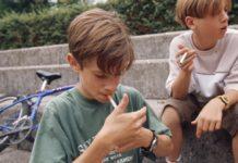 jovenes fumando+1