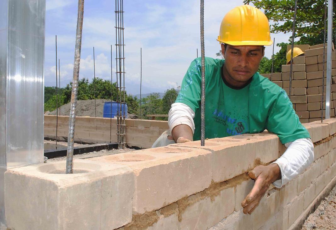 trabajador empleo albanil+1