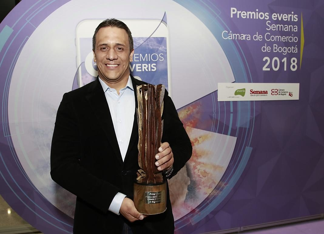 Alberto Martiínez de KUPI+1