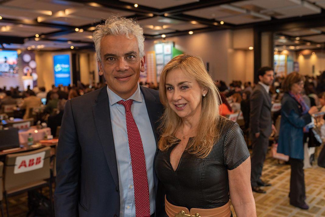 Ricardo Lozano, Ministro de Ambiente y Angela Montoya, presidenta ejecutiva de Acolgen+1