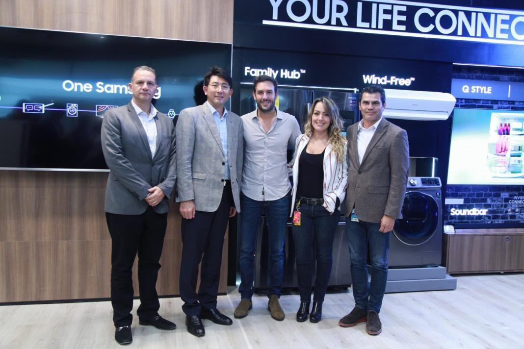 i_a, Young K im, Sebastián Martínez, María Fernanda Zuluaga y Carlos Ariel Gómez
