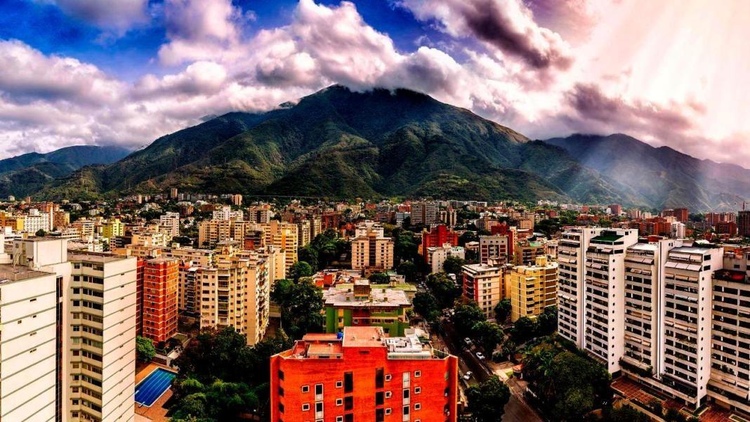 Caracas-1+1