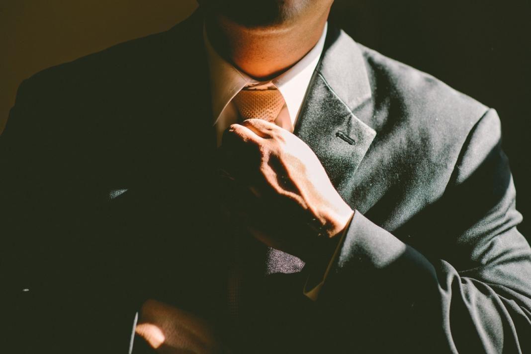 Corbata y saco