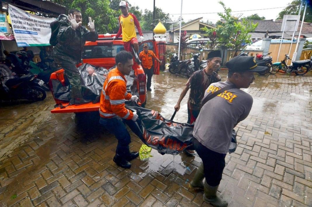 tsunami en indonesia+1