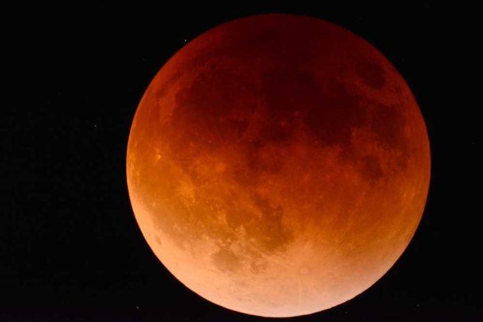 eclipse de Luna+1