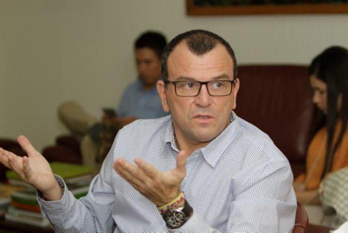 Nando Padauí Álvarez