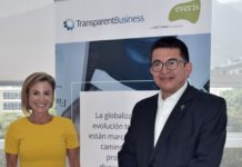 Foto Silvina Moschini, Presidente TRansparentBusiness y Diego Tovar Ch. CEO everis Colombia +1