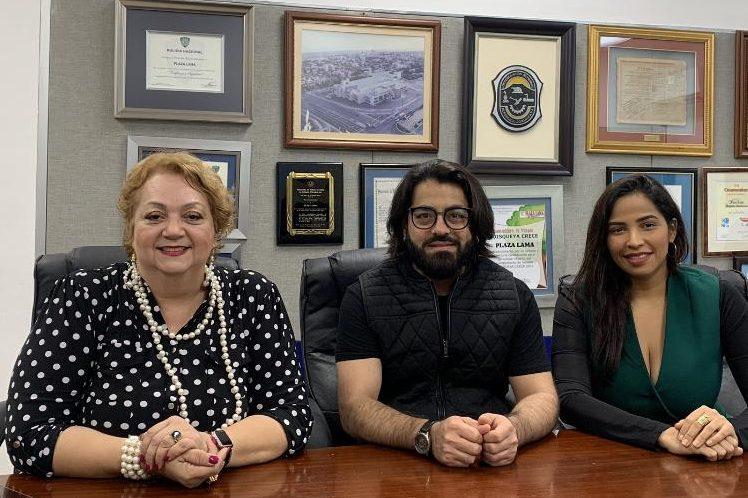 Carmen Mirabal, Carlos del Castillo y Yorlla Castillo, socia de Latín diva RD