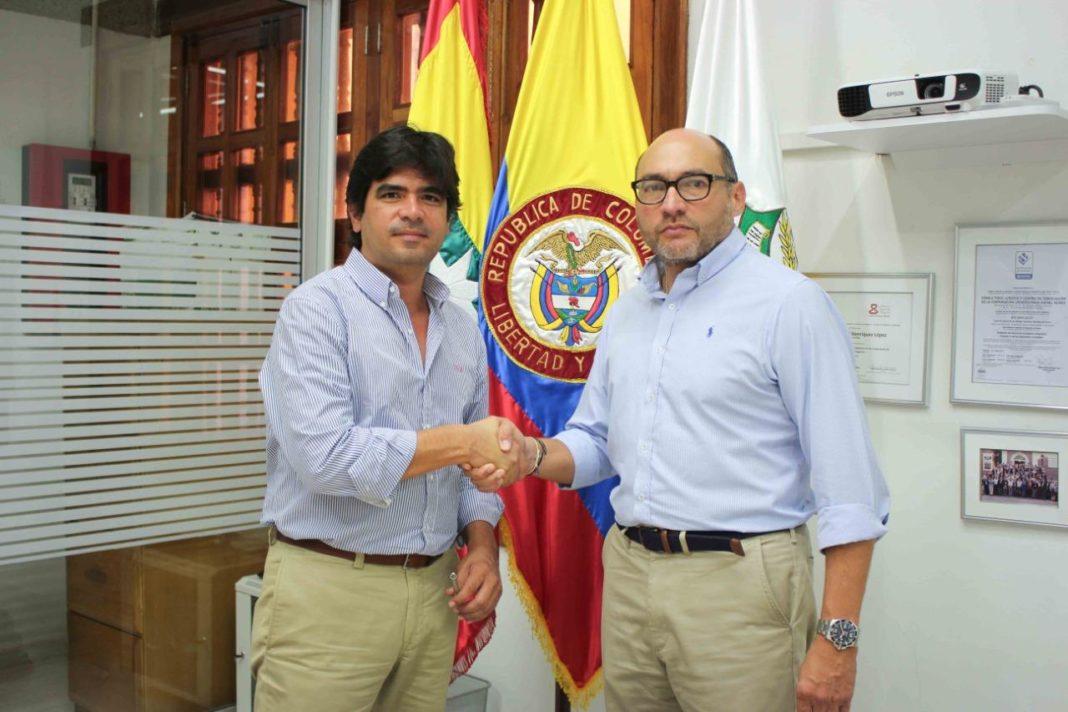 Rector Corporación Universitaria Rafael Núñez, Miguel Henríquez López y Director Hospital Casa del Niño _ firma de Convenio 2020